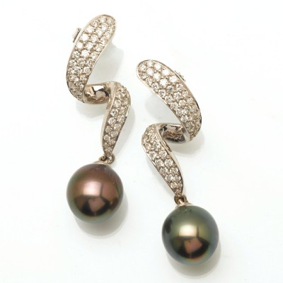 Black South Sea Earrings