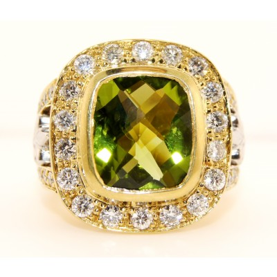 18K Yellow Gold Diamond and Peridot Ring