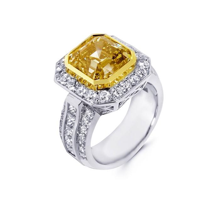 Diamond and  Fancy Yellow Diamond Ring
