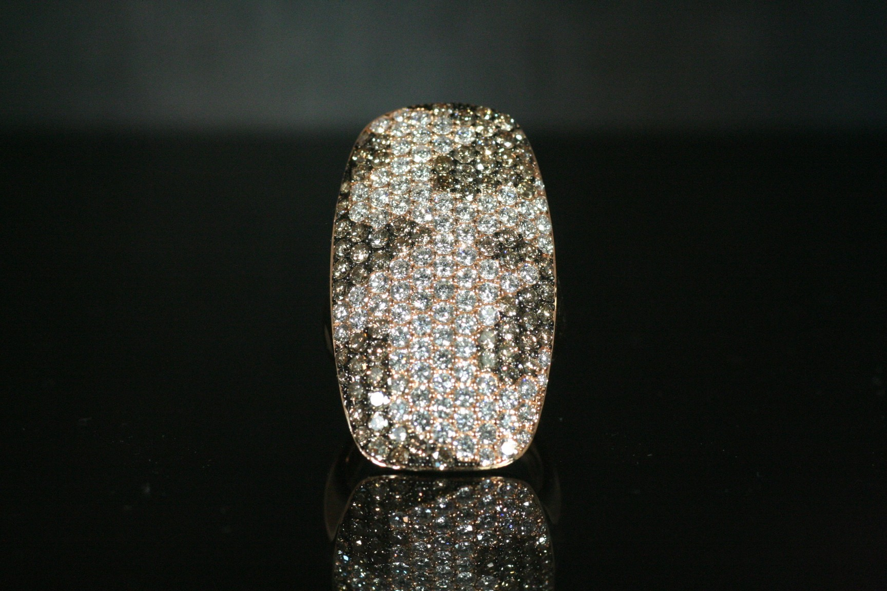 White and Champagne color diamond ring