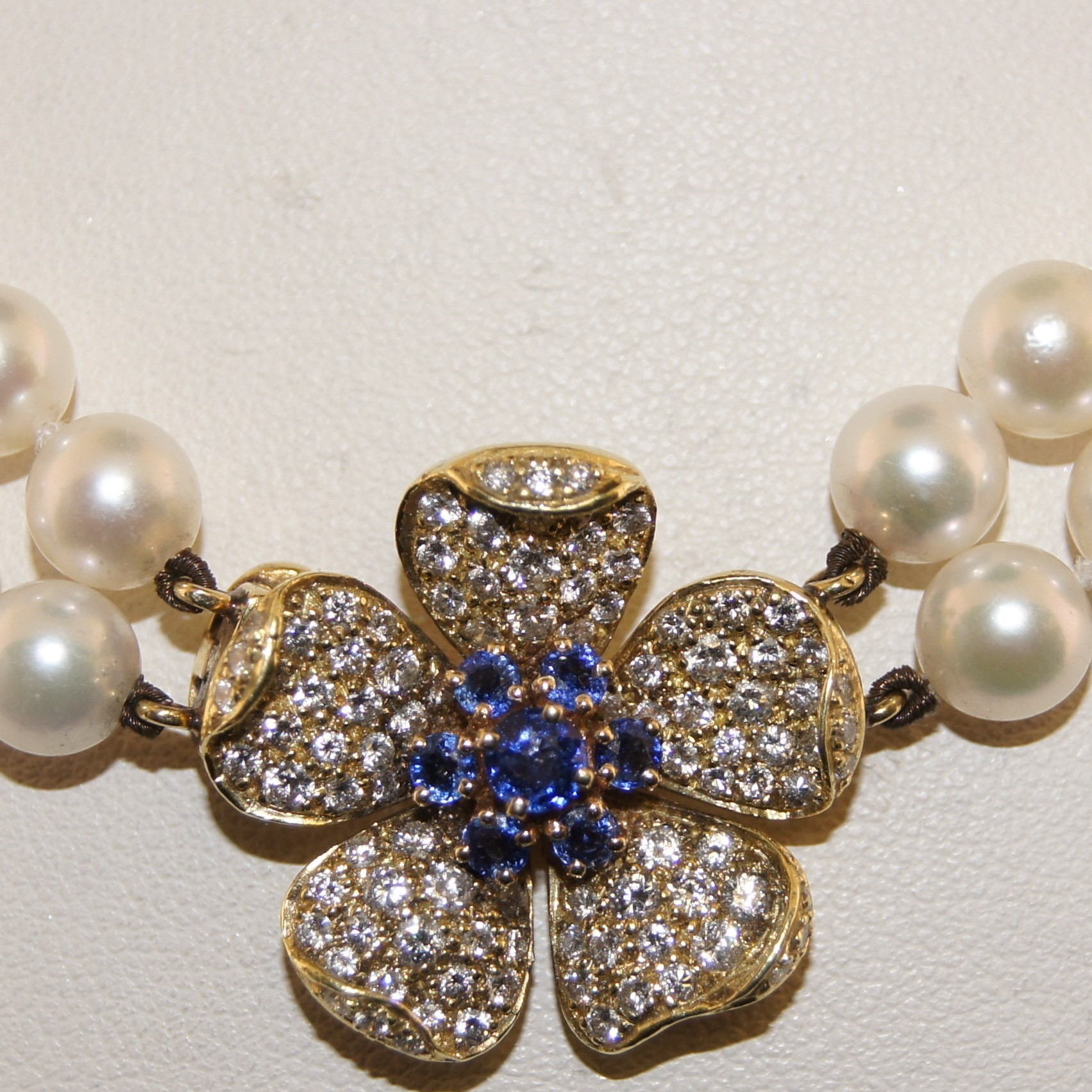 18 Karat Yellow Gold Diamond, Sapphire and Pearl Necklace.