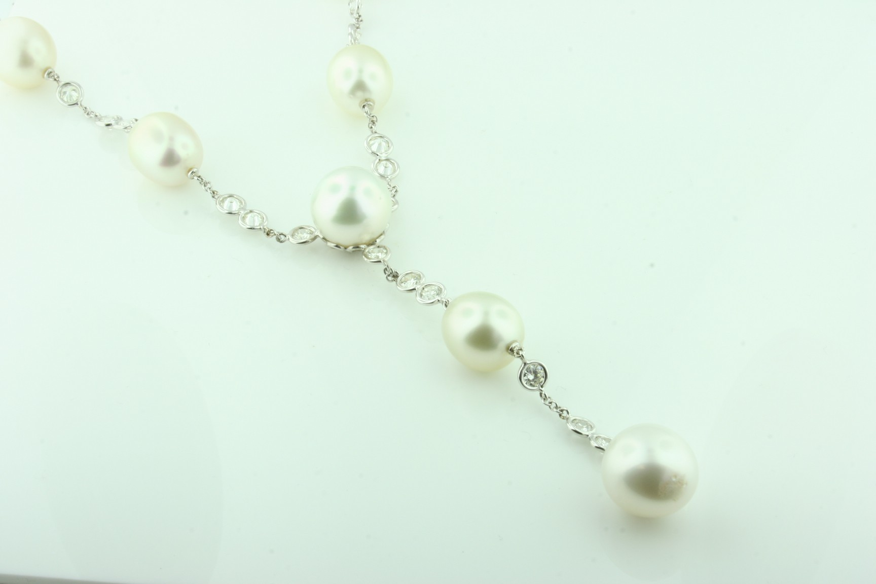 18 Karat White Pearl Necklace.