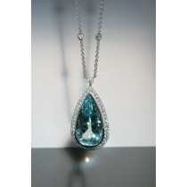 18 Karat white gild Diamond and Aquamarine necklace