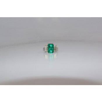 Gorgeous Colombian Emerald ring.